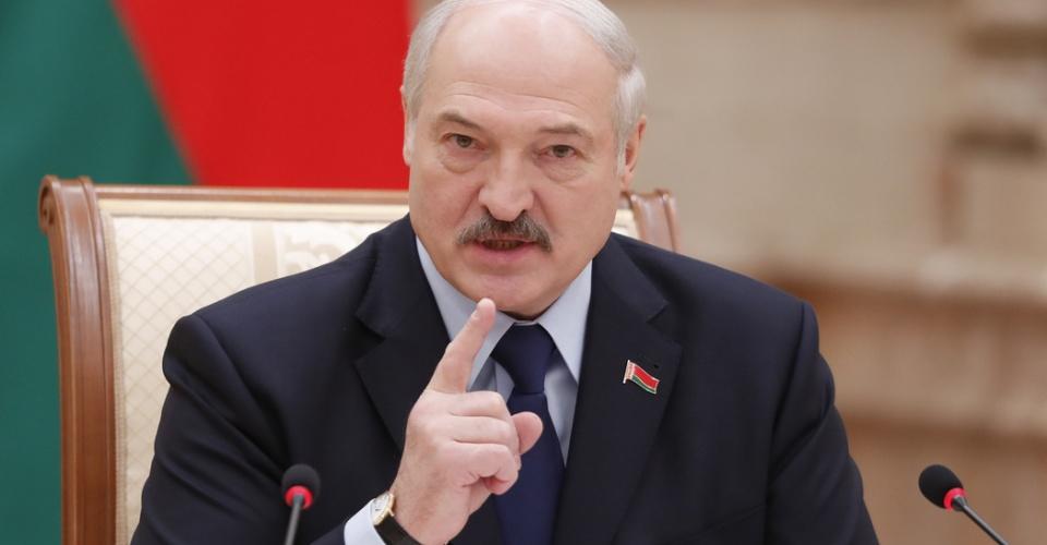 epa07230437 Belarussian President Alexander Lukashenko speaks during a meeting with the media in Minsk, Belarus, 14 December 2018.  EPA-EFE/VASILY FEDOSENKO / POOL